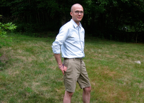 """Lisa G of Notes from a Mad Housewife's cotton twill shorts.  Perfectly """"casual with a dressy edge""""!"""