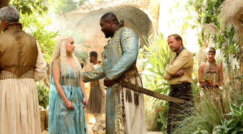Game-of-Thrones_Emilia-Clarke-blue-dress-side_Image-credit-HBO