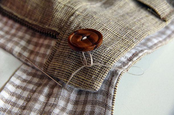 button - tie threads