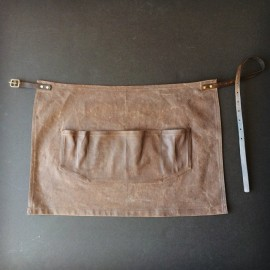 Otter Waxed apron