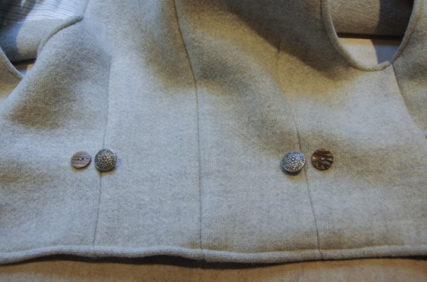 Thread Theory Belvedere Waistcoat Sewalong Sew on buttons-14