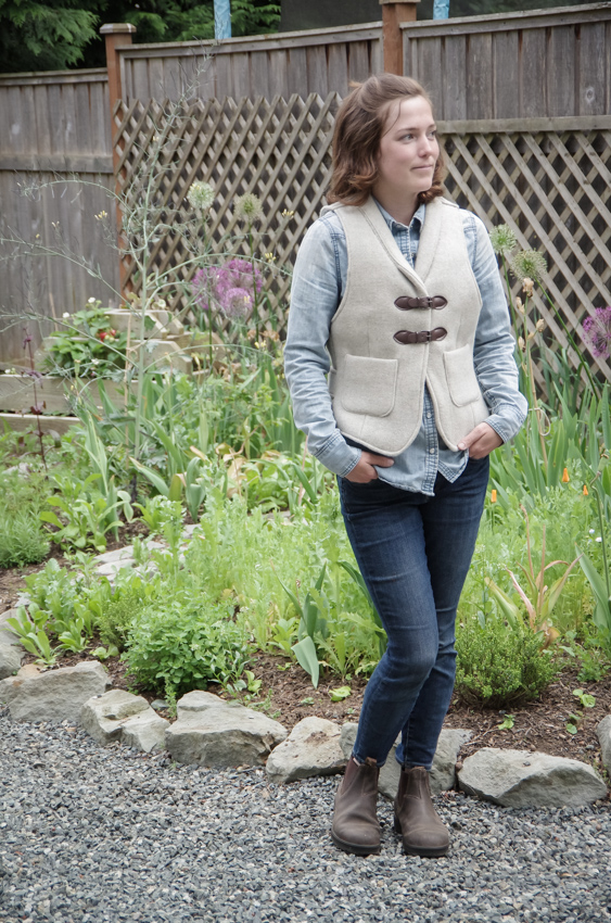 Thread Theory Belvedere Waistcoat Sewalong Sew on buttons-19