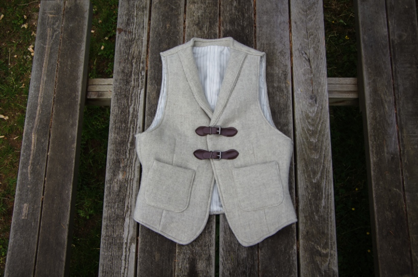 Thread Theory Belvedere Waistcoat Sewalong Sew on buttons-26