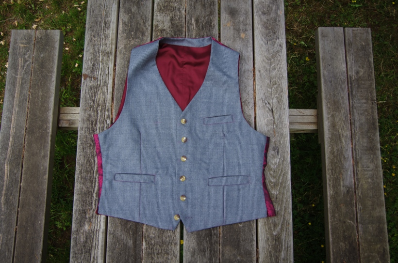 Thread Theory Belvedere Waistcoat Sewalong Sew on buttons-32