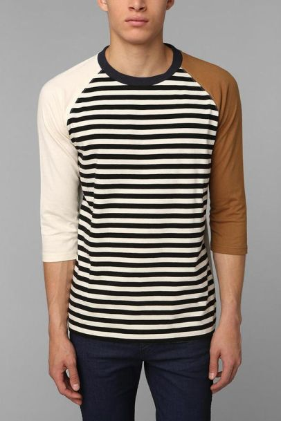 Unusual colorblocking raglan